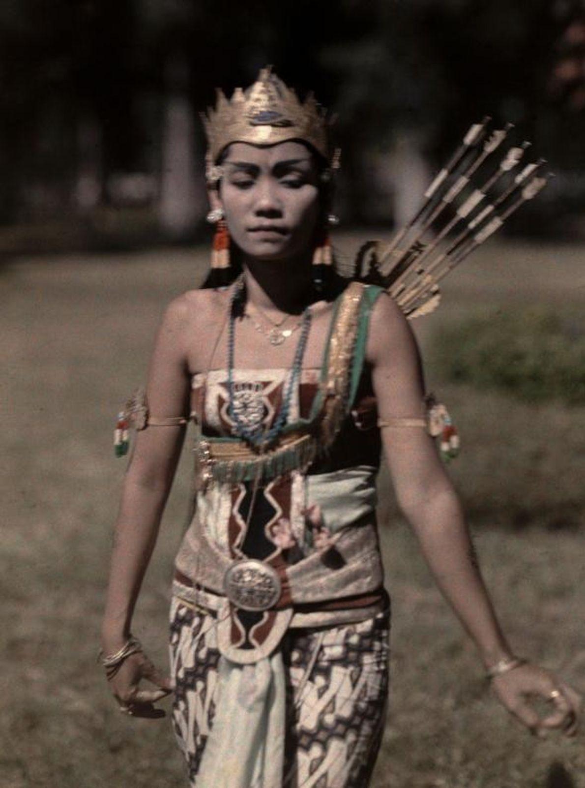 Uma princesa wayang em Java, na Indonésia, em 1929.
