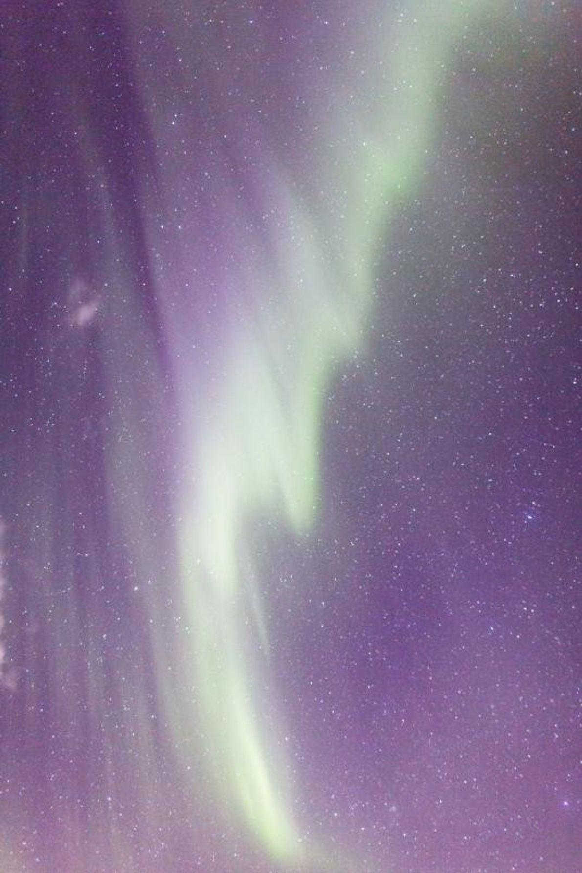 Pinceladas de verde dão cor aos céus da Islândia.