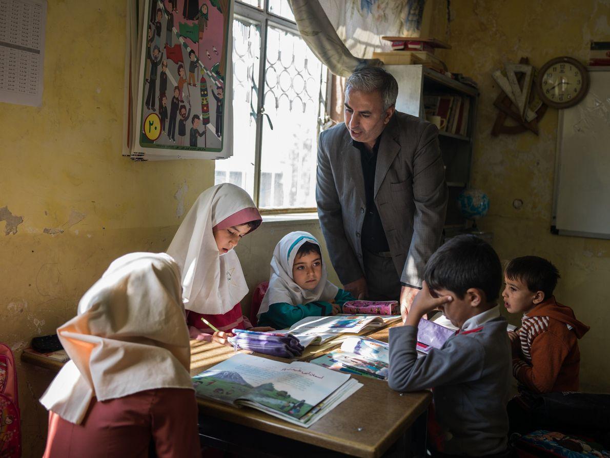 Alunos na escola primária de Qalqachi