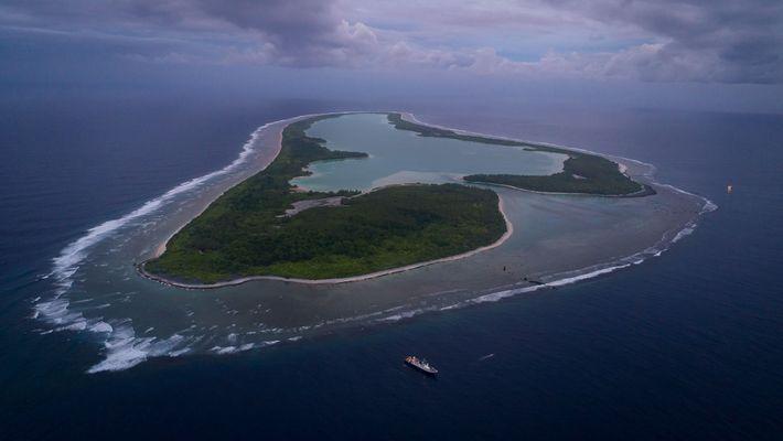 Uma vista aérea da Ilha Nikumaroro.