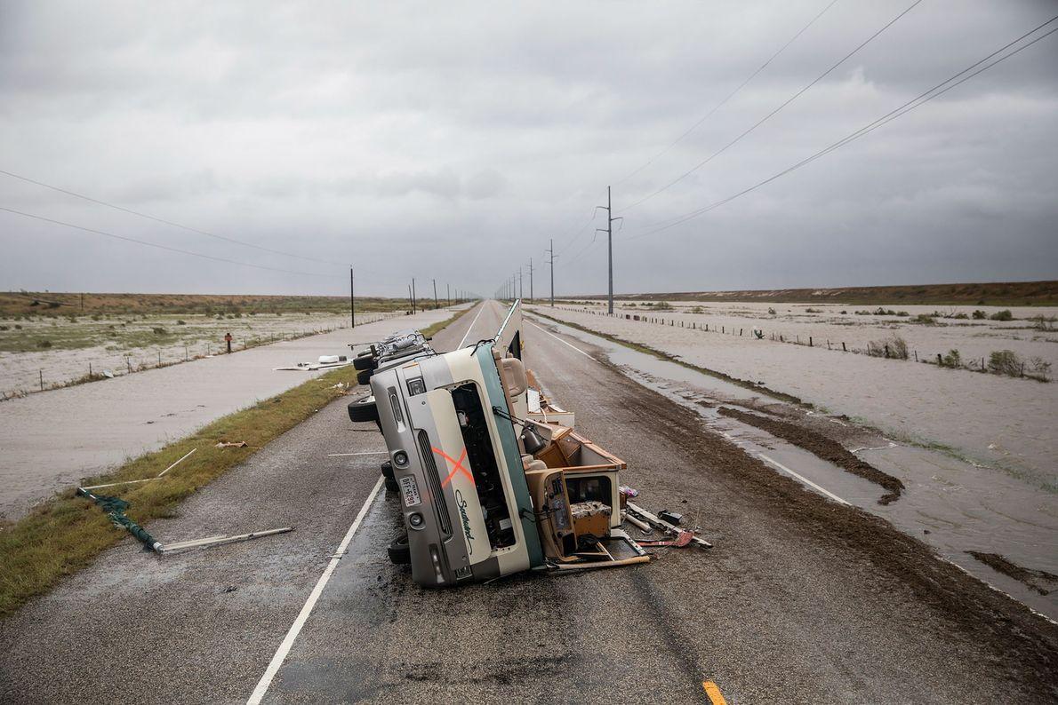 Esta autocaravana ficou destruída durante o furacão