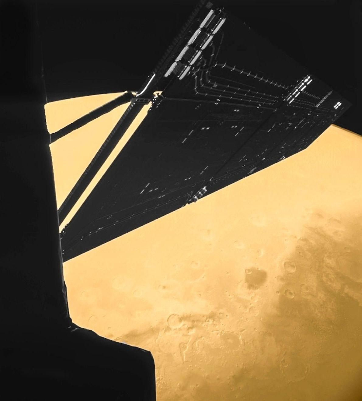 Em 2007, enquanto se dirigia para um cometa, a sonda Rosetta passou a apenas 250 km ...