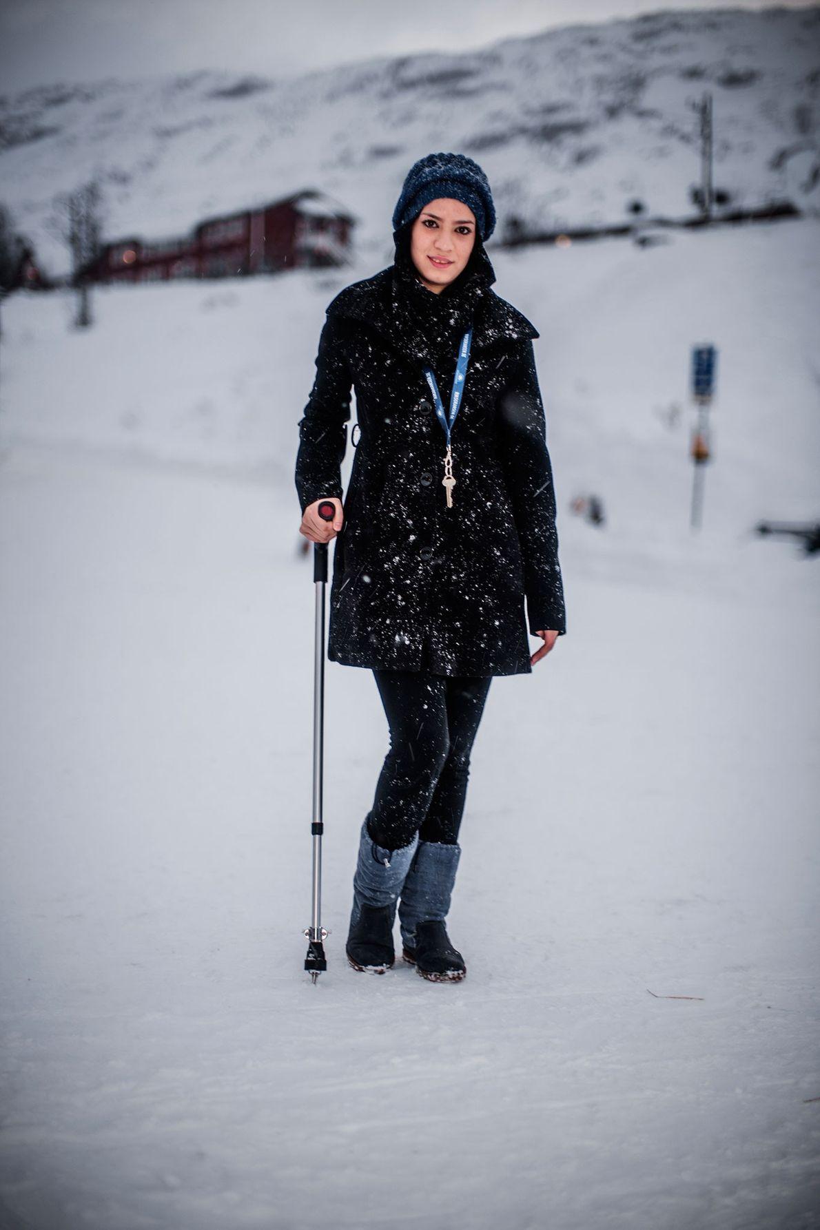 Fotografia de Roya Hosseini, de 14 anos, que se refugiou com a sua família na Suécia