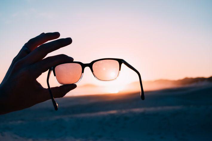 Assegure-se que utiliza óculos de sol quando conduz durante o dia para aumentar as suas condições ...