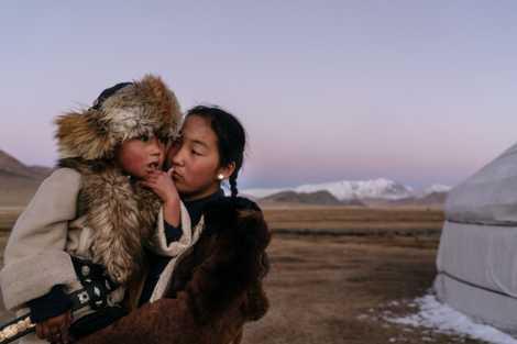 Como as Mulheres Fotógrafas Acedem a Mundos Escondidos dos Homens