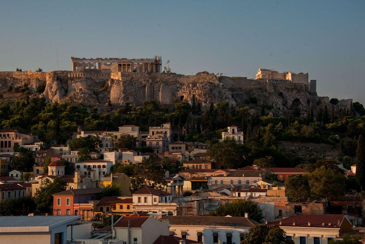 """Os edifícios """"antigos"""" vistos na Acrópole da atualidade foram construídos 1.000 anos depois do domínio micénico."""