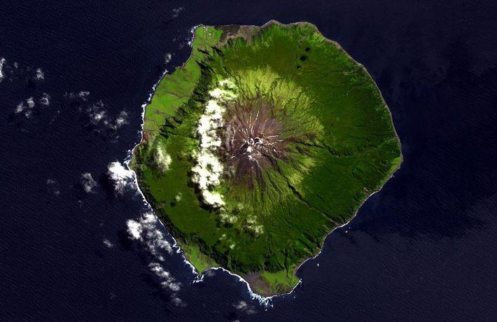 Ilha Tristão da Cunha vista do espaço