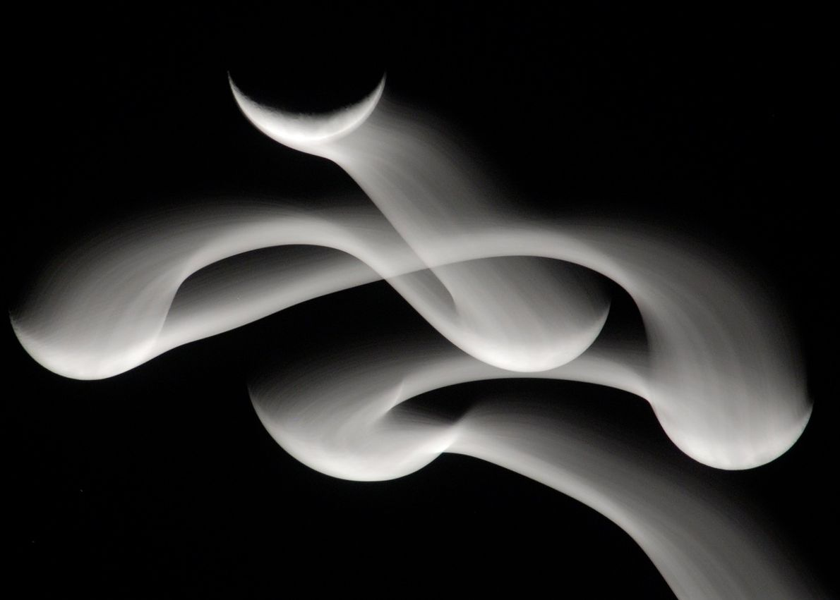 O observador estelar e fotógrafo Your Shot, Eduardo Reinking, queria fotografar a lua de maneira diferente. ...