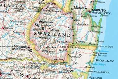 Os mapas políticos do Atlas de Referência da National Geographic mostram a mudança da Suazilândia para Eswatini.