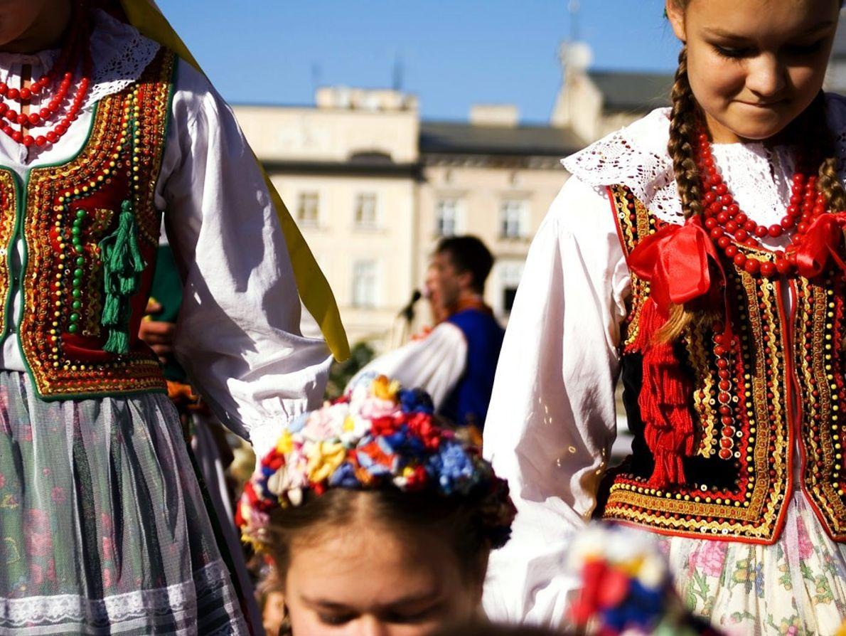 Polónia, jovens dançarinas