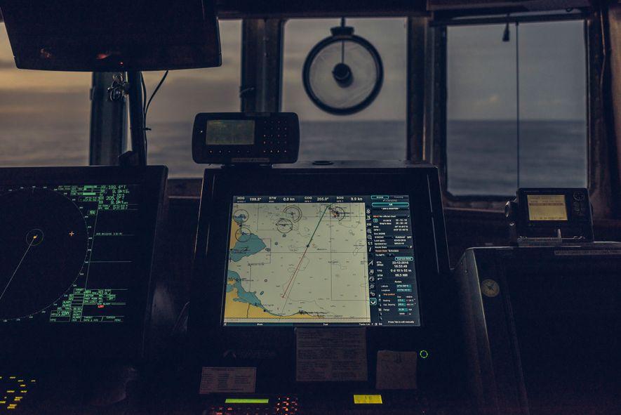 O MS Aquarius navega orientado para sul na área de busca e salvamento, na sigla inglesa ...