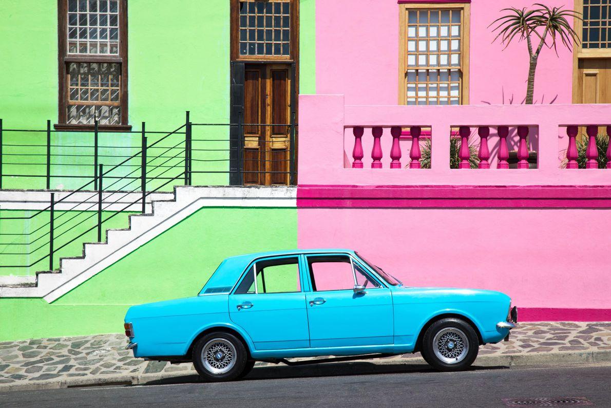 """""""As ruas coloridas de Bo Kaap, na Cidade do Cabo, nem sempre foram assim"""", escreve a ..."""