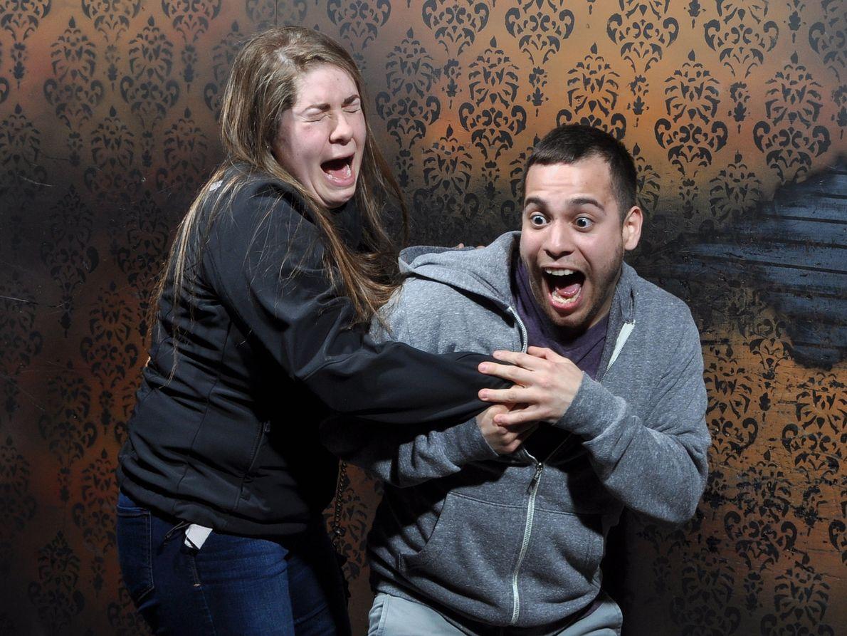 As Hilariantes Fotografias dos Visitantes da Casa Assombrada 'Nightmares Fear Factory'