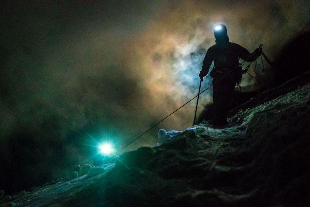 Cume de Rainier à noite