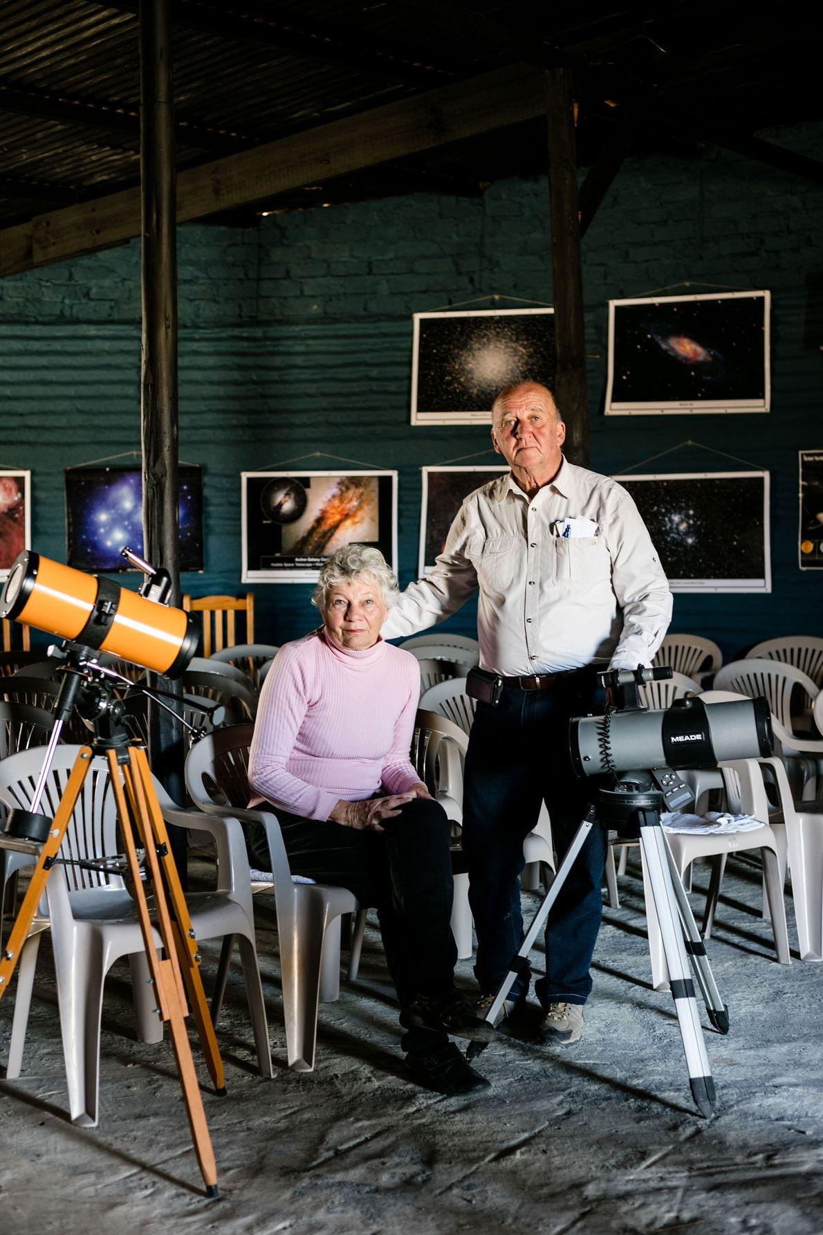 Rita e Jurg Wagener em sua casa, Sutherland.