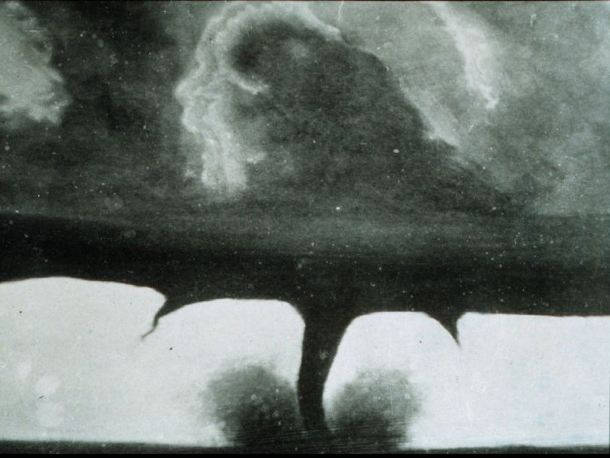 A Fotografia Mais Antiga de um Tornado
