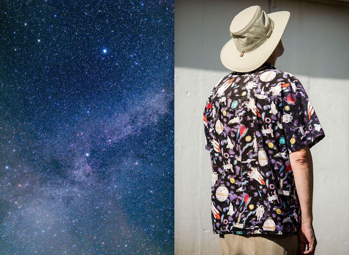 Uma imagem do céu noturno durante o festival Stellafane. Joe Bergeron, um artista espacial e autor ...