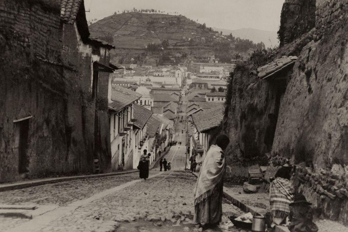 Esta imagem de Quito foi captada em 1921, quase 3.500 anos depois da primeira aldeia ter ...