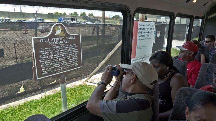 Sobrevivente do Furacão Katrina Oferece Tours das Zonas mais Afetadas