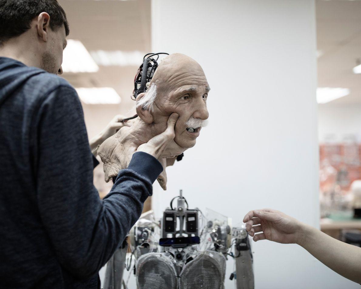 O robô de Einstein foi o protótipo de Sophia.