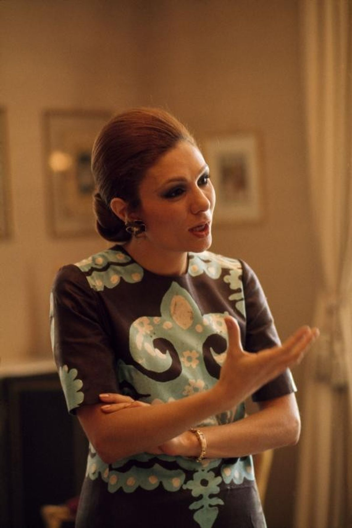 A imperatriz Farah Pahlavi em 1975, quatro anos antes da sua fuga do Irão durante a ...