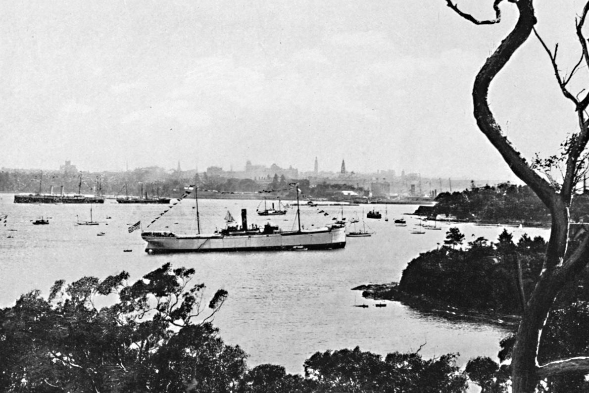 Os aborígenes australianos já viviam onde atualmente fica Sydney, há dezenas de milhares de anos, quando ...