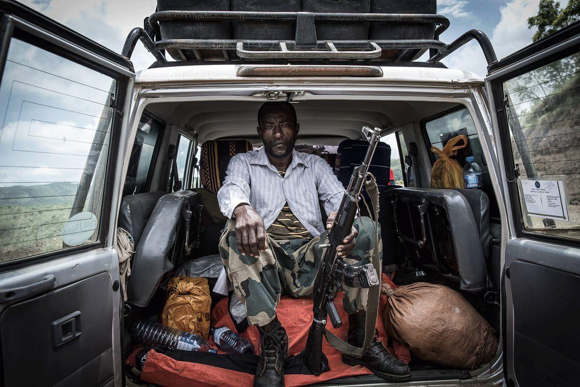 Fotografia de um ranger do Parque Nacional de Mago, na Etiópia