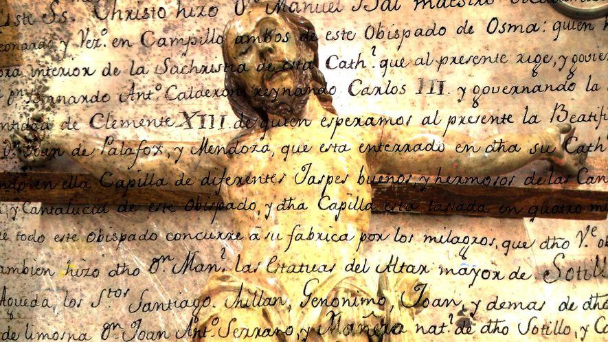 Esta escultura em madeira de Jesus do século 18 contêm uma mensagem do passado.