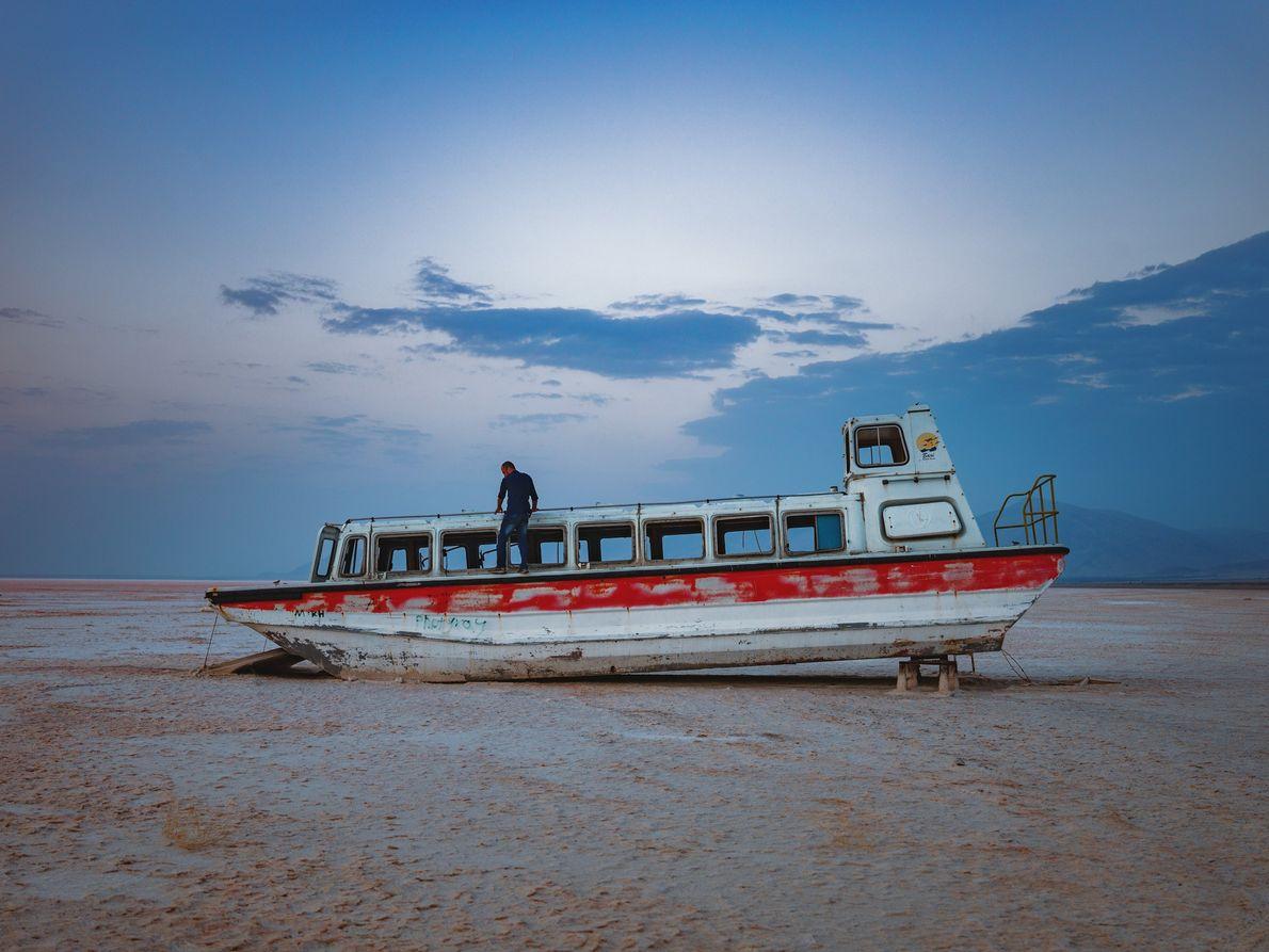 Velho barco de cruzeiro