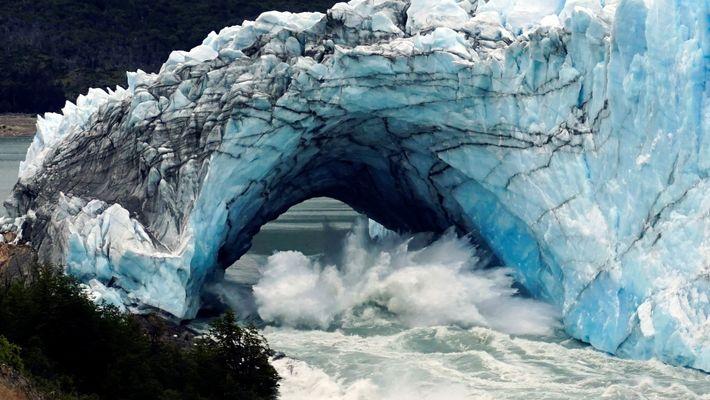 Porque Continua Esta Ponte de Gelo a Ruir na Patagónia?