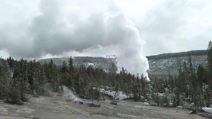 O Géiser Mais Poderoso do Mundo Entra Em Erupção Após Anos De Inatividade