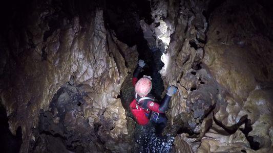 Estes Espeleólogos Exploram a Maior Caverna do Mundo, no México