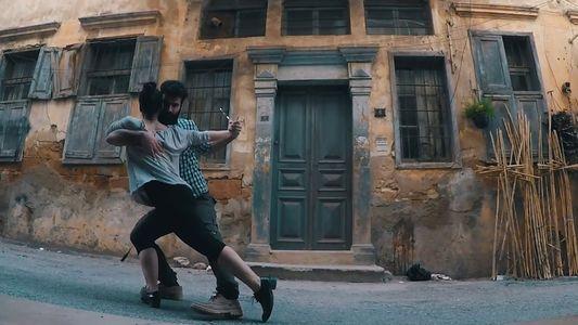 Veja Porque Dançam Estes Jovens Sírios nas Ruas