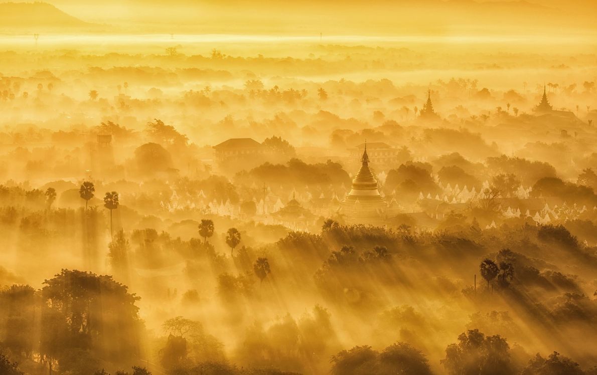 Fotografia do nascer do sol em Mandalay, na Birmânia