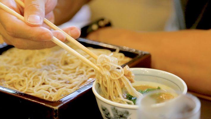 Veja a Arte de Fazer Soba no Japão