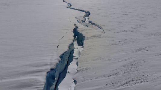A Fenda que Divide Uma Plataforma de Gelo em Dois na Antártida