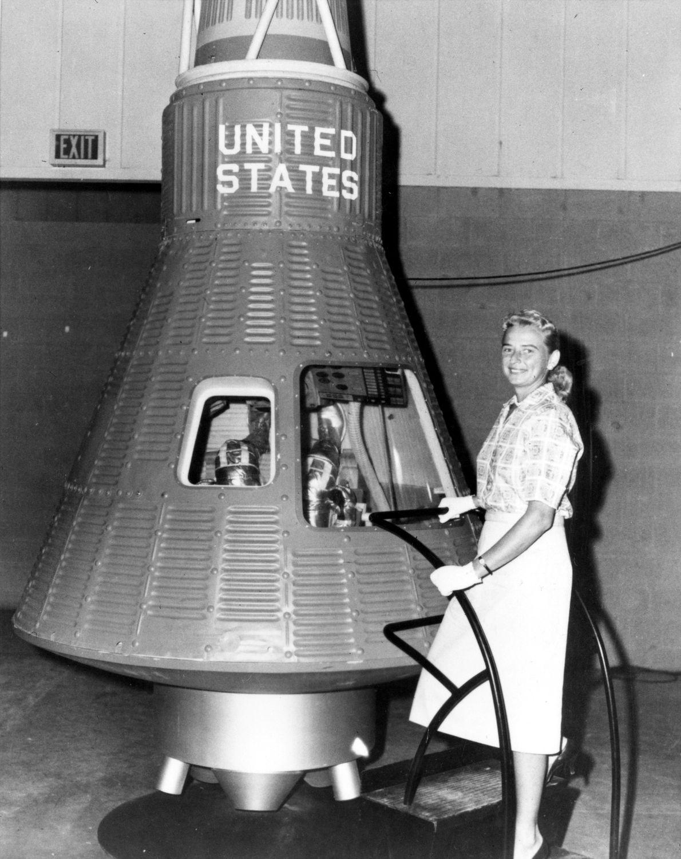 O Programa Mercury 13 era composto por um grupo paralelo de aspirantes a astronautas do sexo ...