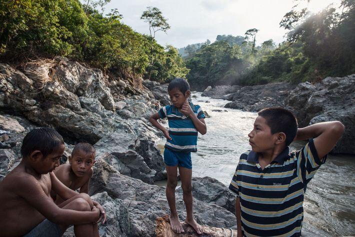 Violência contra comunidades locais que resistem às barragens