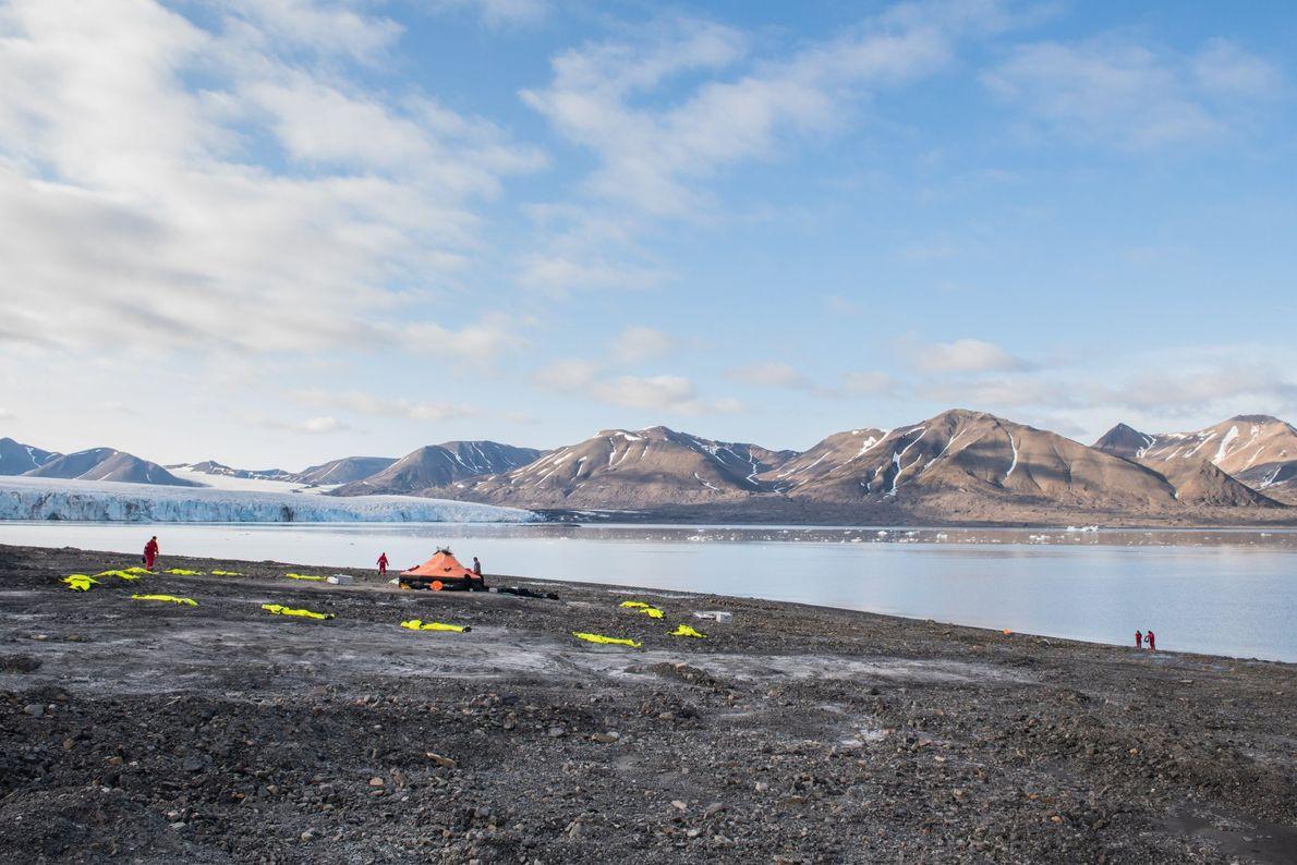 O campo de treino polar em Svalbard, um arquipélago norueguês e um dos lugares habitados mais ...