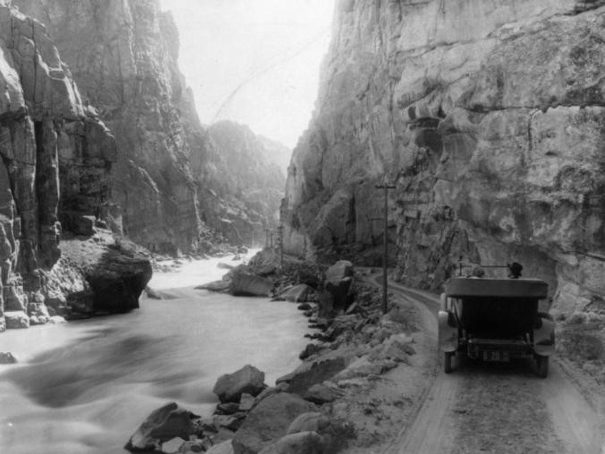 SHOSHONE CANYON, YELLOWSTONE, POR VOLTA DE 1917