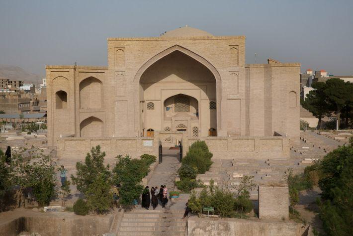 Santuário dedicado a Shahzada Abdullah em Herat