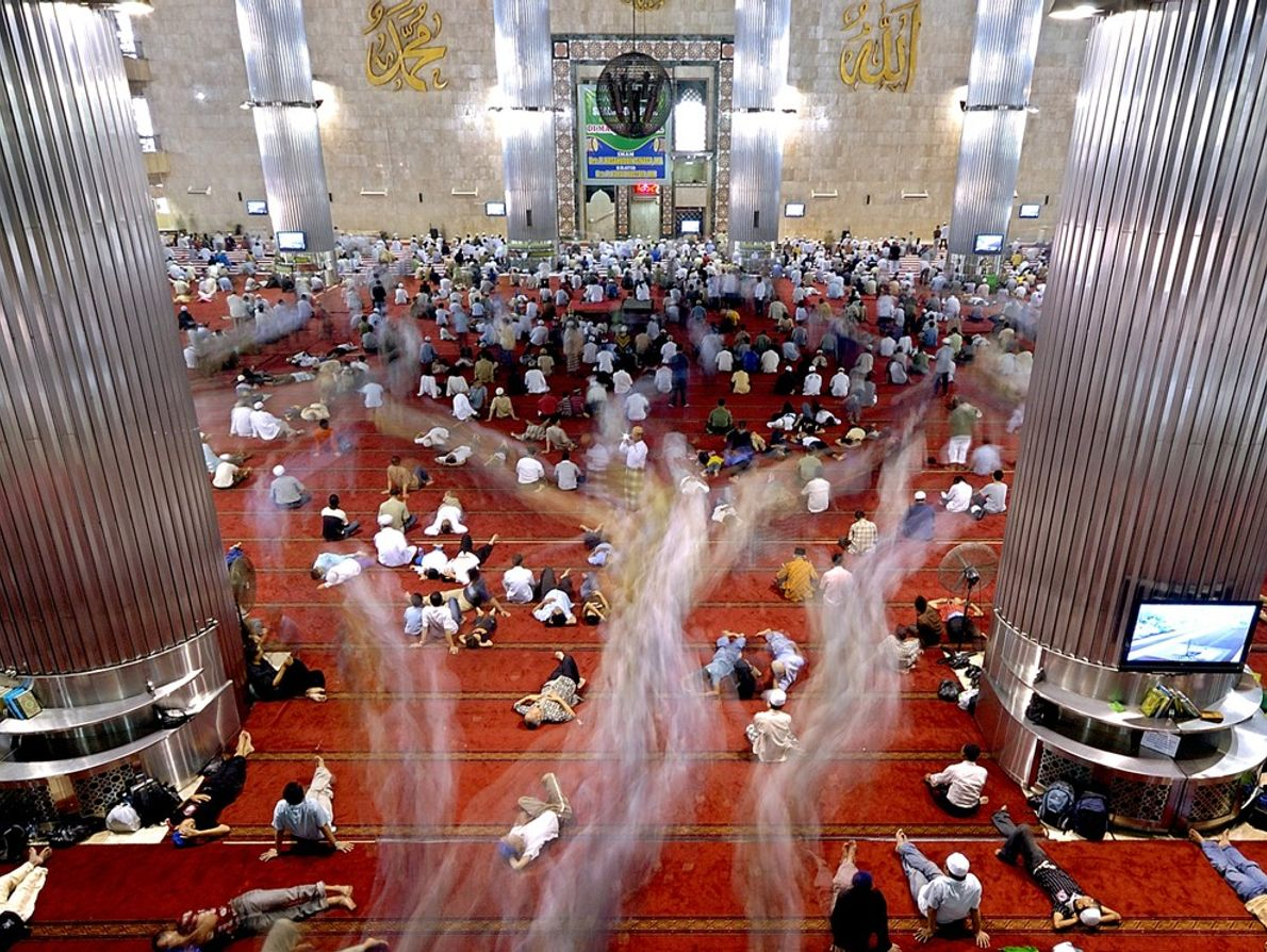 Mesquita Istiqlal , Indonésia