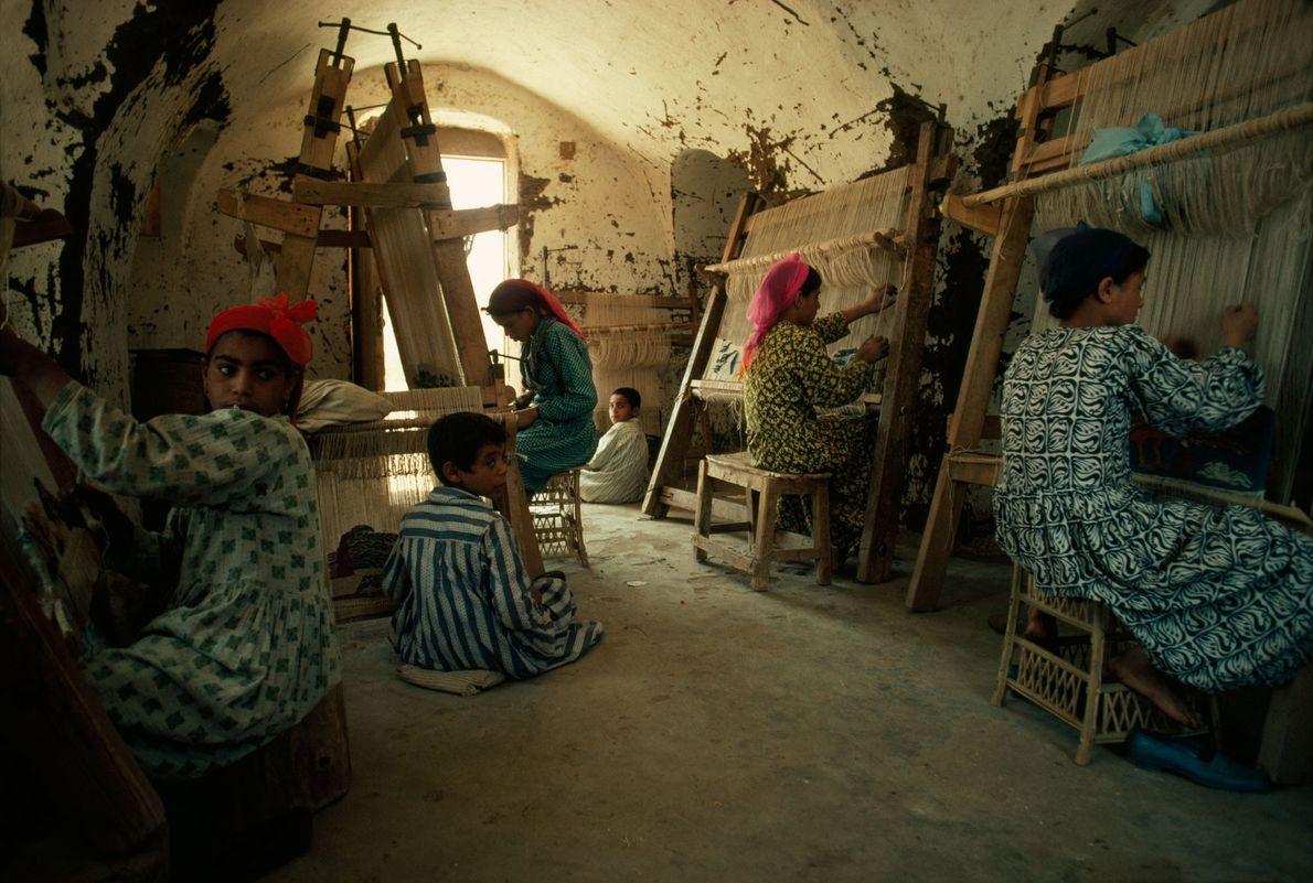 Os designs das tecelãs egípcias Harrania ganharam reconhecimento mundial.