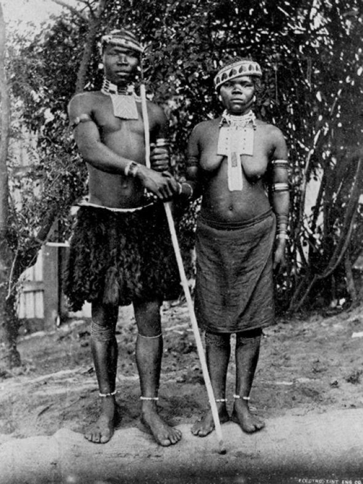 Casal de noivos Zulu em Witwatersrand, África do Sul