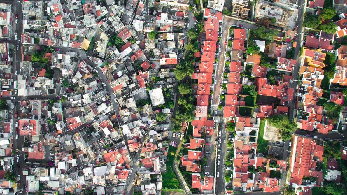 O bairro La Malinche faz fronteira com uma comunidade mais rica, na Cidade do México.