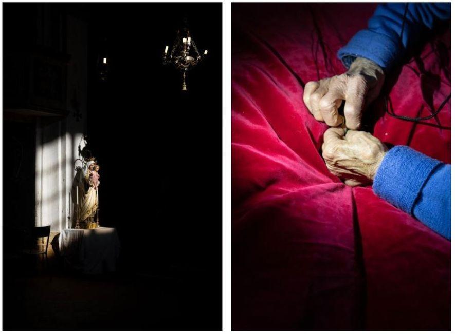 Esquerda: Uma estátua de Maria e Jesus iluminada pela luz de uma janela, na igreja de ...