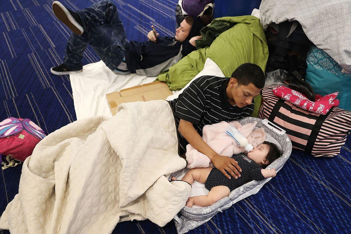 Mark Ocosta e o seu bebé