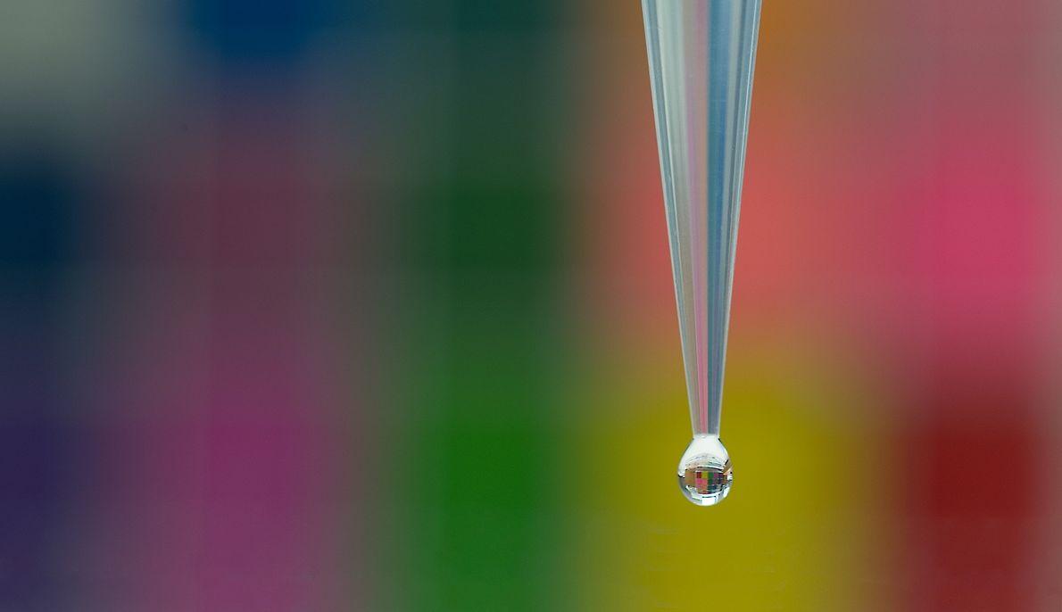fotografia de uma gota de água
