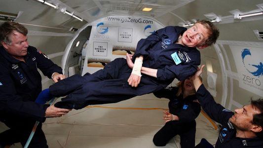 Quando Stephen Hawking Levitou a Bordo de um Avião de Carga