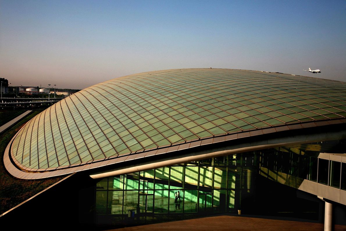 AEROPORTO INTERNACIONAL DE PEQUIM, CHINA.